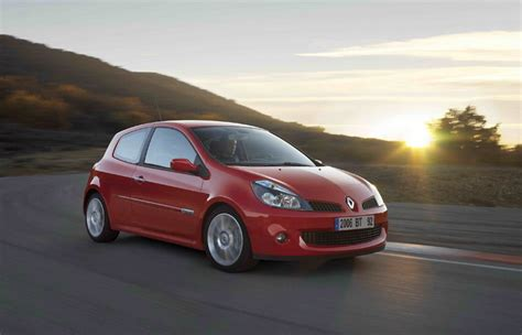 renault clio rs picture  car review  top speed