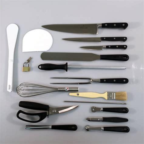 mallette couteaux et ustensiles de cuisine 17 pièces