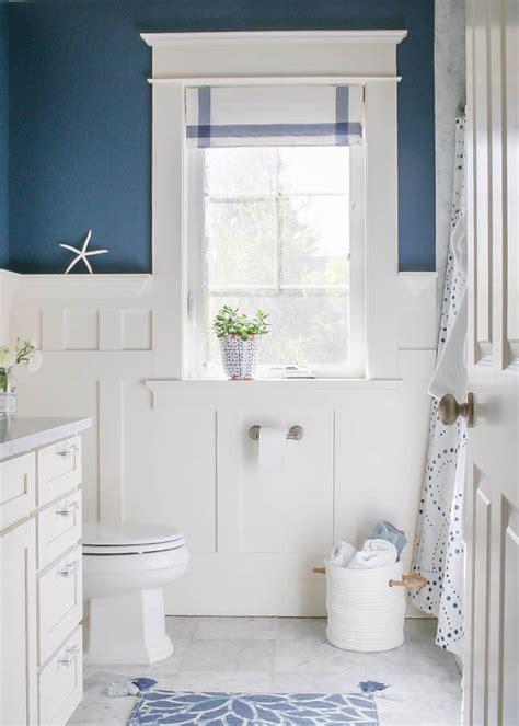 navy blue  white bathroom  nail  paint