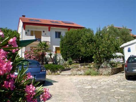 Appartamenti Croazia Economici by Appartamenti E Alloggi Privati Economici Krk Krk Croazia