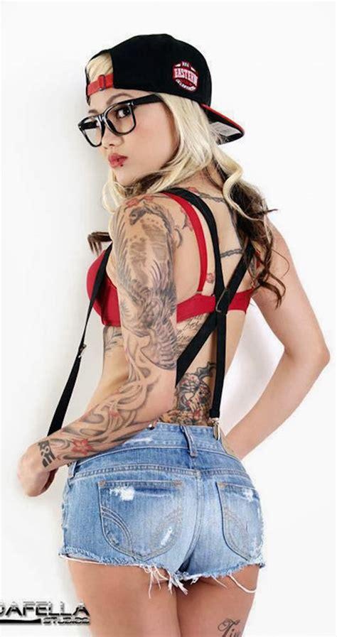 Tattooed Girl Glasses Fuck