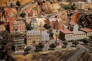 World's largest model railroad draws thousands in NJ ...