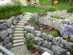 Steinmauer Im Garten : bilder von steinmauern im garten nowaday garden ~ Lizthompson.info Haus und Dekorationen