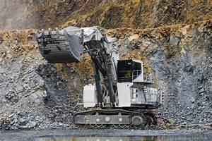 Liebherr 200 Tonnen Bagger Liebherr Baumaschinen & Bau
