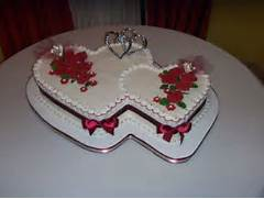 Heart Shaped Wedding Cakes Pictures by 25 Best Ideas About Heart Wedding Cakes On Pinterest Wedding Cakes With He