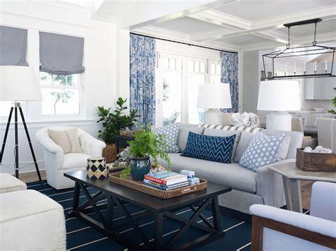 pratt  lambert designer white interiors  color