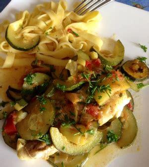cuisiner du cabillaud filet de cabillaud courgettes et tomates recette iterroir