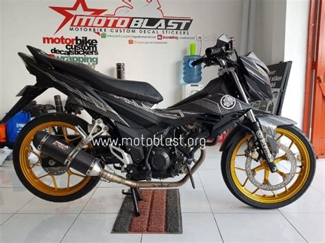 Honda New Sonic Hitam Modif by Modifikasi Honda Sonic 150r Black Panther Motoblast