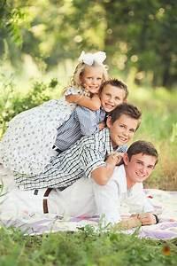 72 best Family portrait poses images on Pinterest | Family ...