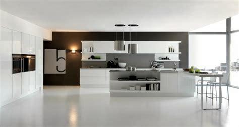 grande cuisine ouverte décoration cuisine moderne quelques idées et astuces