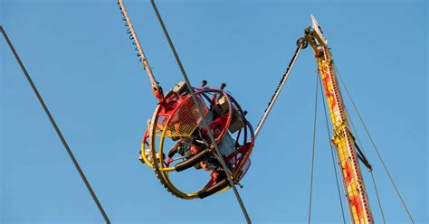 Slingshot Ride in Florida Breaks Right Before Two ...