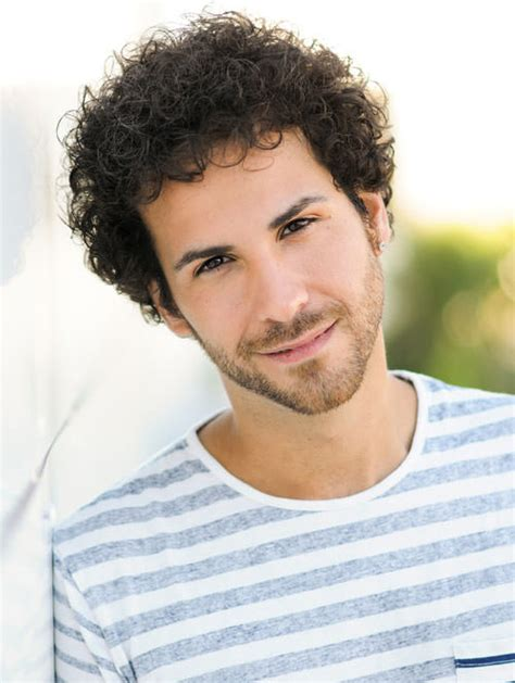 Guys Curly Hairstyles by Curly Hairstyles For Guys 18 Popular Styles This Year