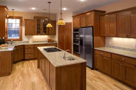 kitchen color schemes with wood cabinets коричневая кухня 4 важных преимущества кухни в коричневом