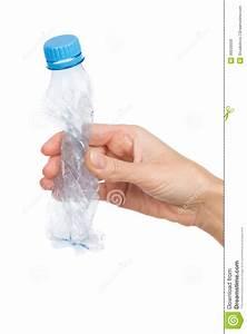 Bouteille En Plastique Vide : rappelez vous d 39 craser l 39 apr s utilisation en plastique vide de bouteille photo stock image ~ Dallasstarsshop.com Idées de Décoration