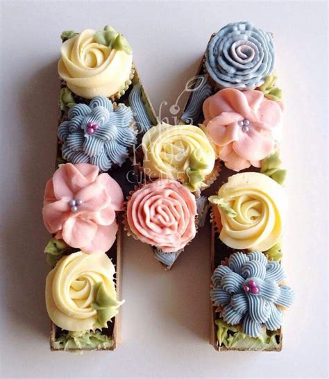putting cupcakes   letter shaped box fantastic  bakery inspiration pinterest boxes