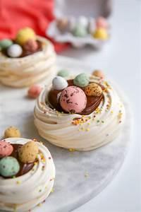 Dessert Paques Original : nid de p ques en meringue et chocolat recette de dessert ~ Dallasstarsshop.com Idées de Décoration