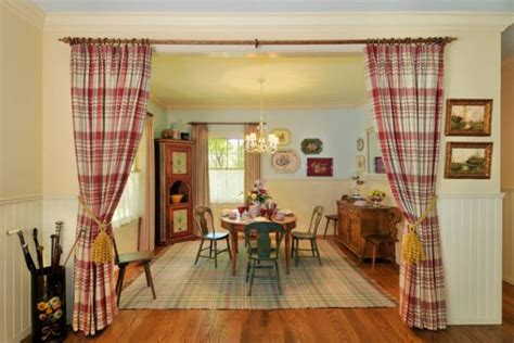 country dining room wall decor 13 cozy and inviting country style dining rooms Country Dining Room Wall Decor