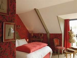 Tapeten Im Schlafzimmer : 38 tolle und behagliche schlafzimmer im dachgeschoss praktische ideen ~ Sanjose-hotels-ca.com Haus und Dekorationen