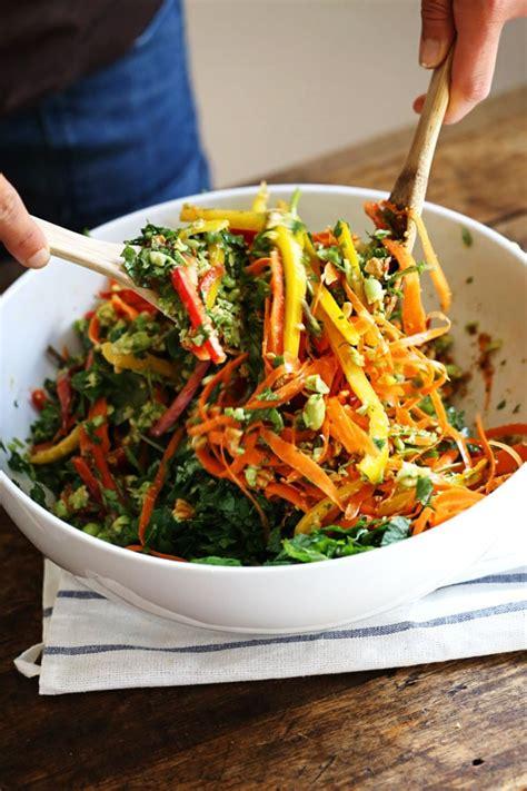 leckere salate rezepte chopped thai salad with sesame garlic dressing recipe