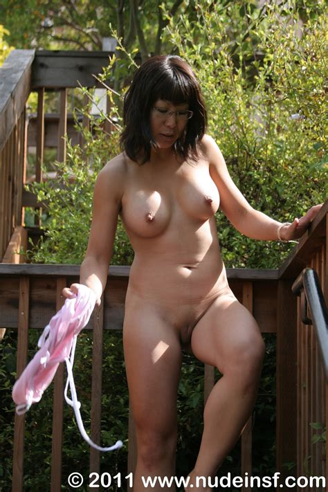 5063 In Gallery Liyong Nude In Public 2 Picture 1