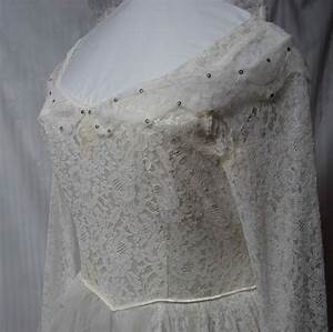 how much to dry clean a wedding dress wedding dress decore With dry cleaning wedding gown