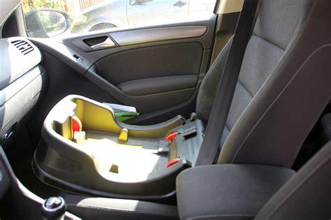 comment installer un siege auto dans une voiture comment transporter bebe en voiture