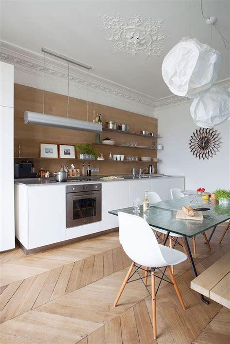cuisine appartement parisien 17 meilleures idées à propos de intérieurs d 39 appartements parisiens sur appartement