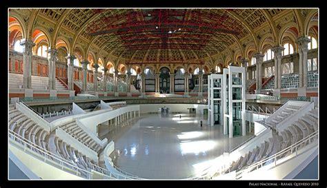 Panorámica del interior del Palau Nacional de Barcelona ...