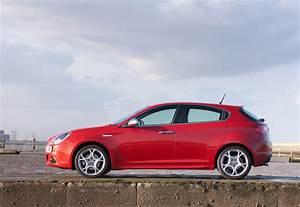 Alfa Romeo Giuletta : alfa romeo giulietta with tct transmission ~ Medecine-chirurgie-esthetiques.com Avis de Voitures