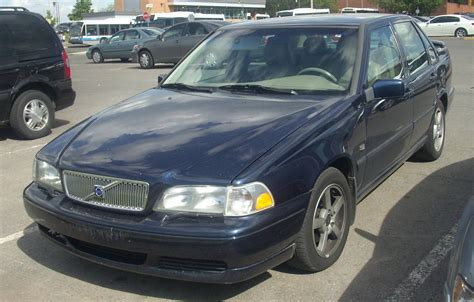 volvo  base sedan  turbo awd auto