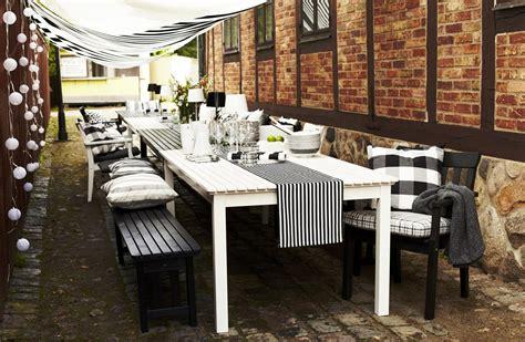 ikea en el jardin  en la terraza en blanco  negro blog