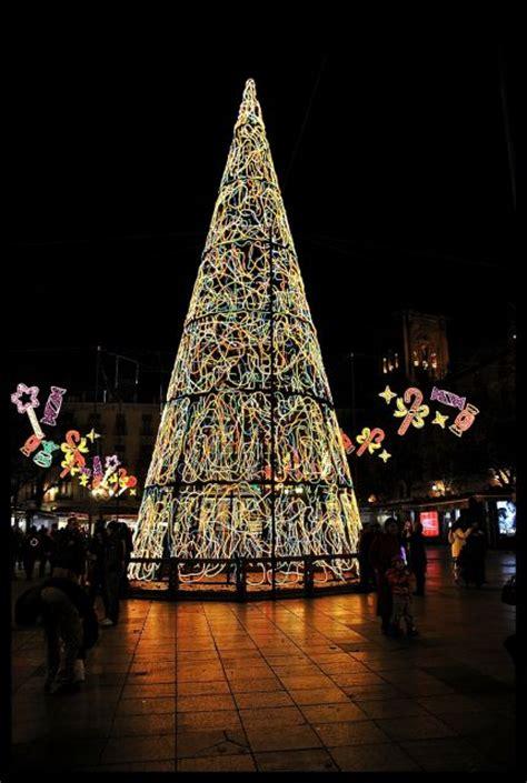 el arbol de navidad luminoso fotos de granada monumental
