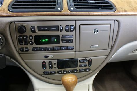 [removing The Console On A 2000 Jaguar S Type]