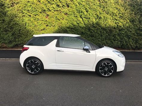 White Citroen Ds3 by Citroen Ds3 1 6 Hdi Black And White 3dr 90bhp Limited