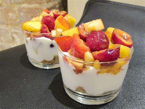 dessert fromage blanc fruits verrine de fruits fromage blanc et sabl 233 maison