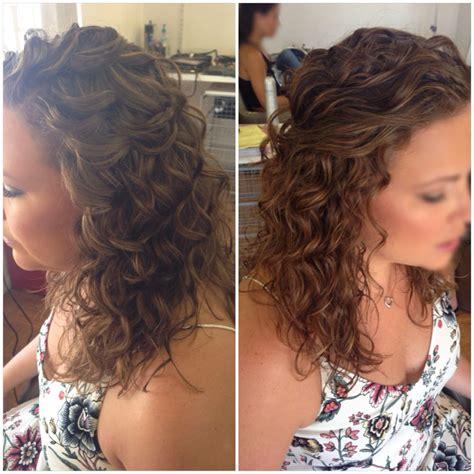 bridal hair wedding hair half up half down curly hair