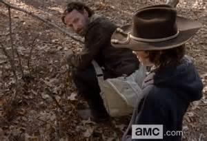 The Walking Dead: Rick gets crazy, kills a gang member in ...