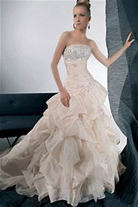 wedding dress designers asheclubblogspotcom With wedding dress brands