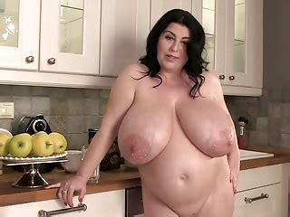 Hot Nude Bbw Girls Present Amazing Erotic Show Fucking Big Hard Cocks