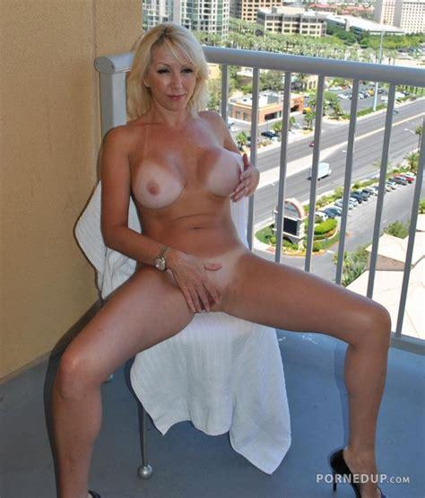 Hot Blonde Milf Naked Porned Up