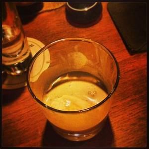 Espresso Mit Eis : affogato espresso mit einer kugel vanille eis yummy ~ Lizthompson.info Haus und Dekorationen