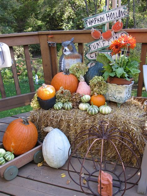 Outdoor Decor For Fall  Decorating Ideas
