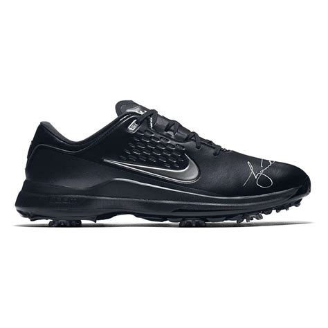 TIGER WOODS SIGNED NIKE AIR TOUR TW71 SHOES UDA – Icons of ...