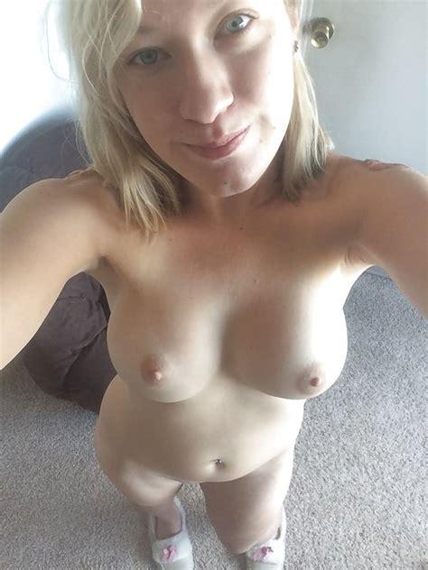 Sexy Amateur MILF Wife Miranda For You To Enjoy Pics