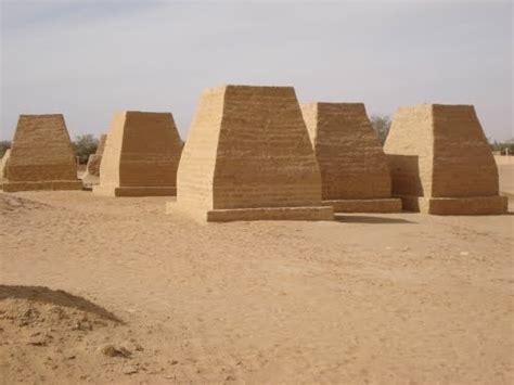 Panoramio - Photo of Germa Pyramids (Fezzan, Libya)