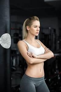 Oefeningen met halters voor vrouwen