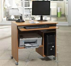 Mobiletto porta pc : Mobili porta computer scrivanie per pc