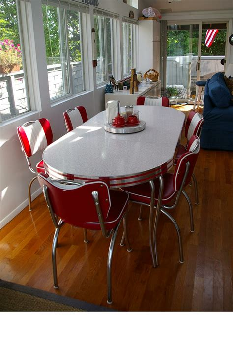 resnicks retro table  chairs