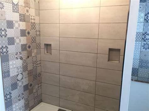 photo la faience de la salle d eau de la suite parentale est enfin termnin 233 e carrelage fa 239 ence