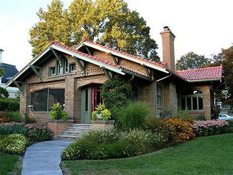 brick craftsman bungalow style homes brick craftsman architecture canadian bungalow